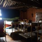 【スペイン巡礼11日目】寒くてボロいアルベルゲには迷惑な警報機がお似合い