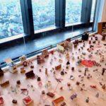 塩田千春回顧展「魂が震える」糸って弱くて強い矛盾を孕んだメディウムであるということ